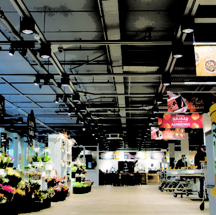 Picture of 3D printed lighting fixtures installed at Jumbo supermarket as part of Philips Lighting Telecaster
